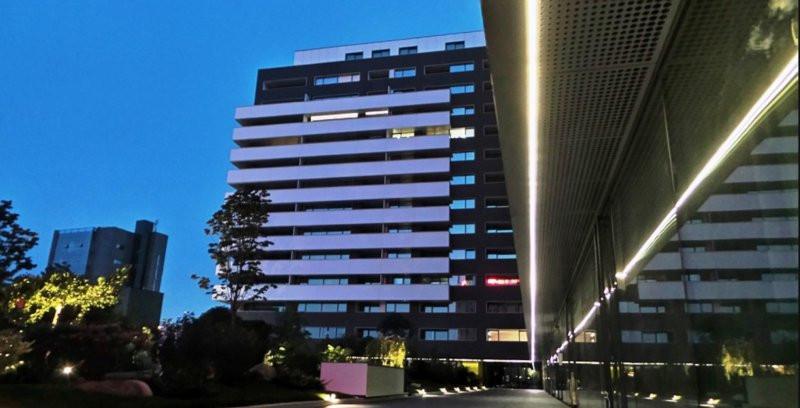 Cortina Residence