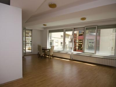 Herastrau vanzare apartament luminos cu 3 camere