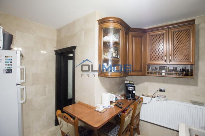 Primaverii vanzare apartament in vila Charles de Gaulle