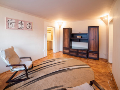 De Vanzare Apartament 3 camere