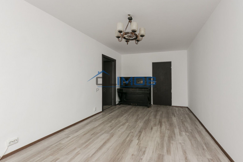 Apartament spatios 3 camere, Crangasi