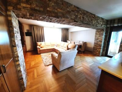 Vanzare apartament surprinzator cu 5 camere, 140 mp, Aviatiei