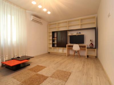 Apartamentul Multicolore – Un strop de culoare în viața ta –