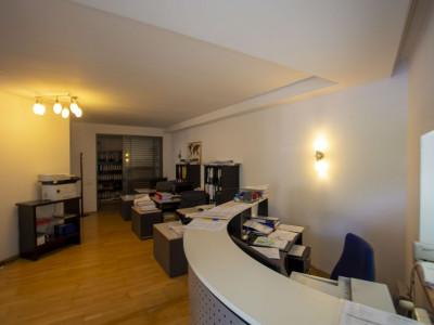 Apartament 3 camere pretabil birou zona Herastrau