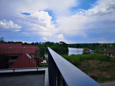 Martha Bibescu Residence vile cu vedere spre lac si Palatul Mogosoaia