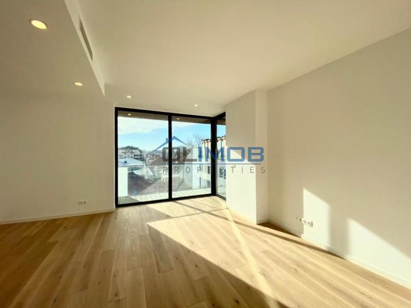 Imobil finalizat apartament 5 camere, singur pe nivel