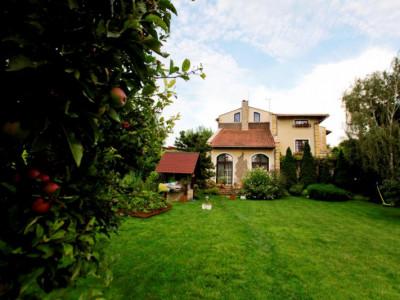 Vila spectaculoasa cu elemente rustice si dotari moderne!